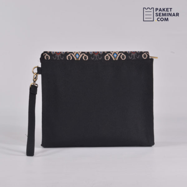 PC16 - Pouch Batik